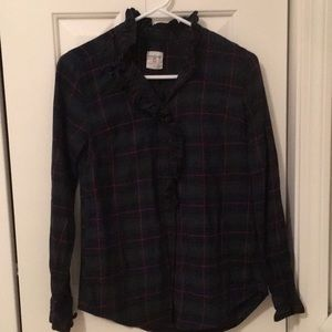 GAP Tops - Women's tartan button down shirt